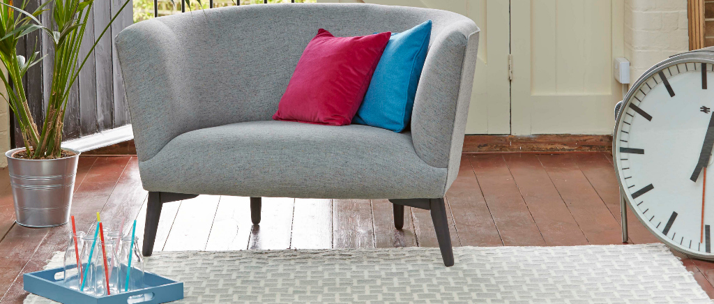 Elton Snuggler Sofa in Light Grey
